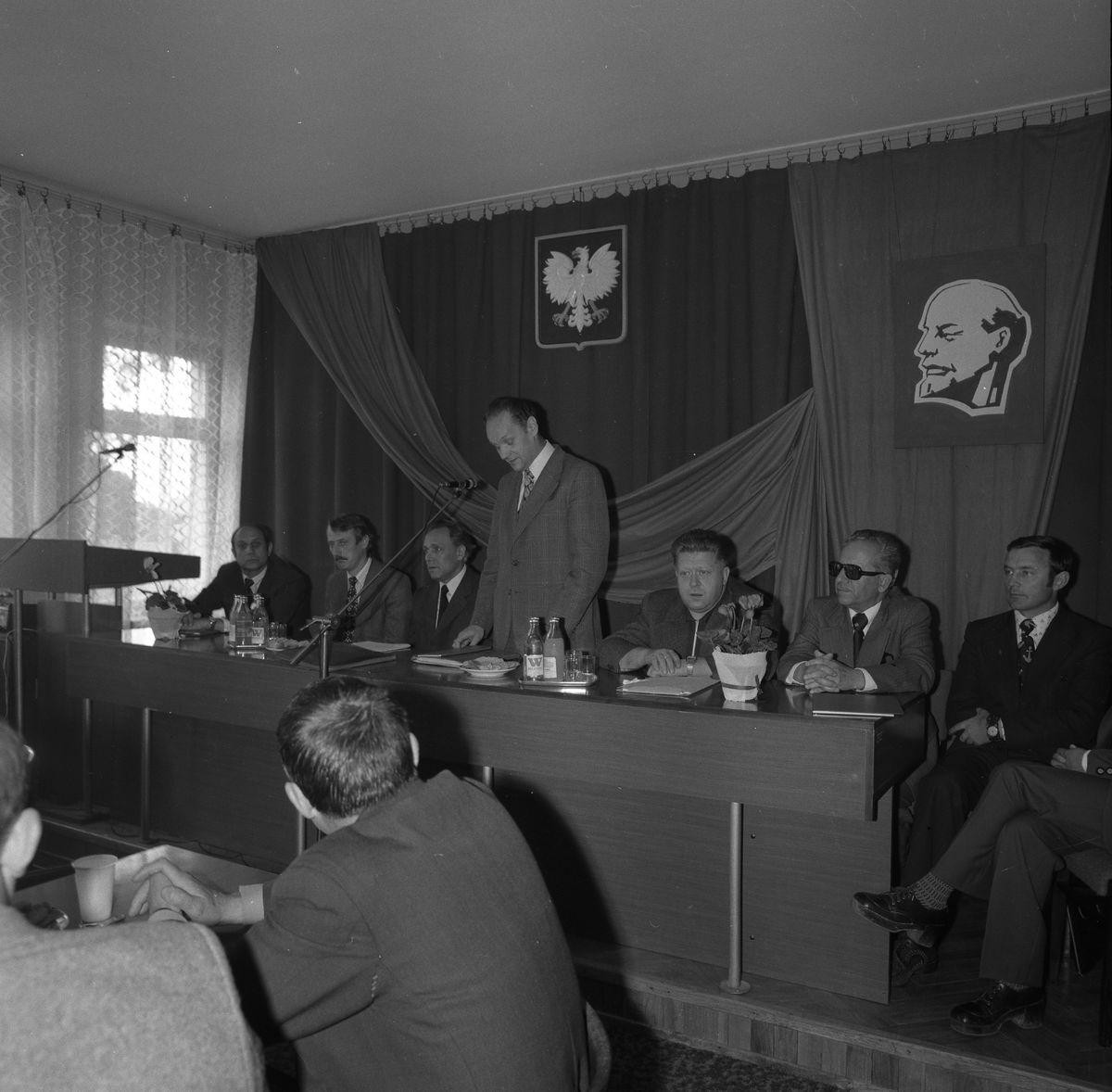 Wizyta konsula ZSRR w siedzibie KM PZPR [1]