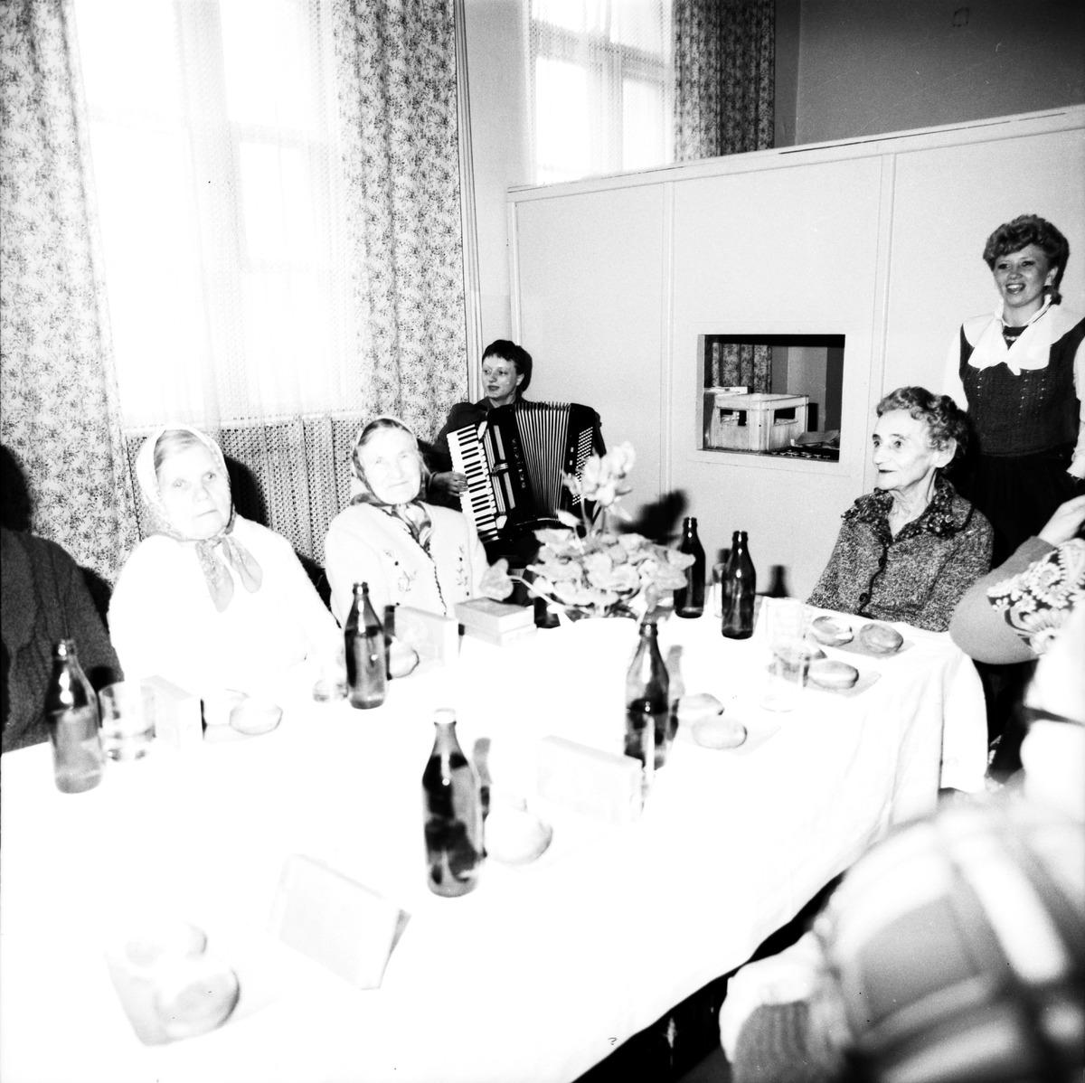 Obchody Dnia Seniora, 1986 r. [3]