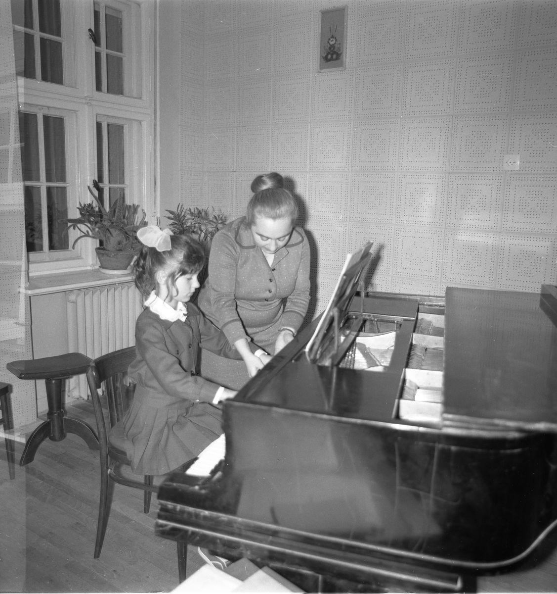Zajęcia w szkole muzycznej [5]