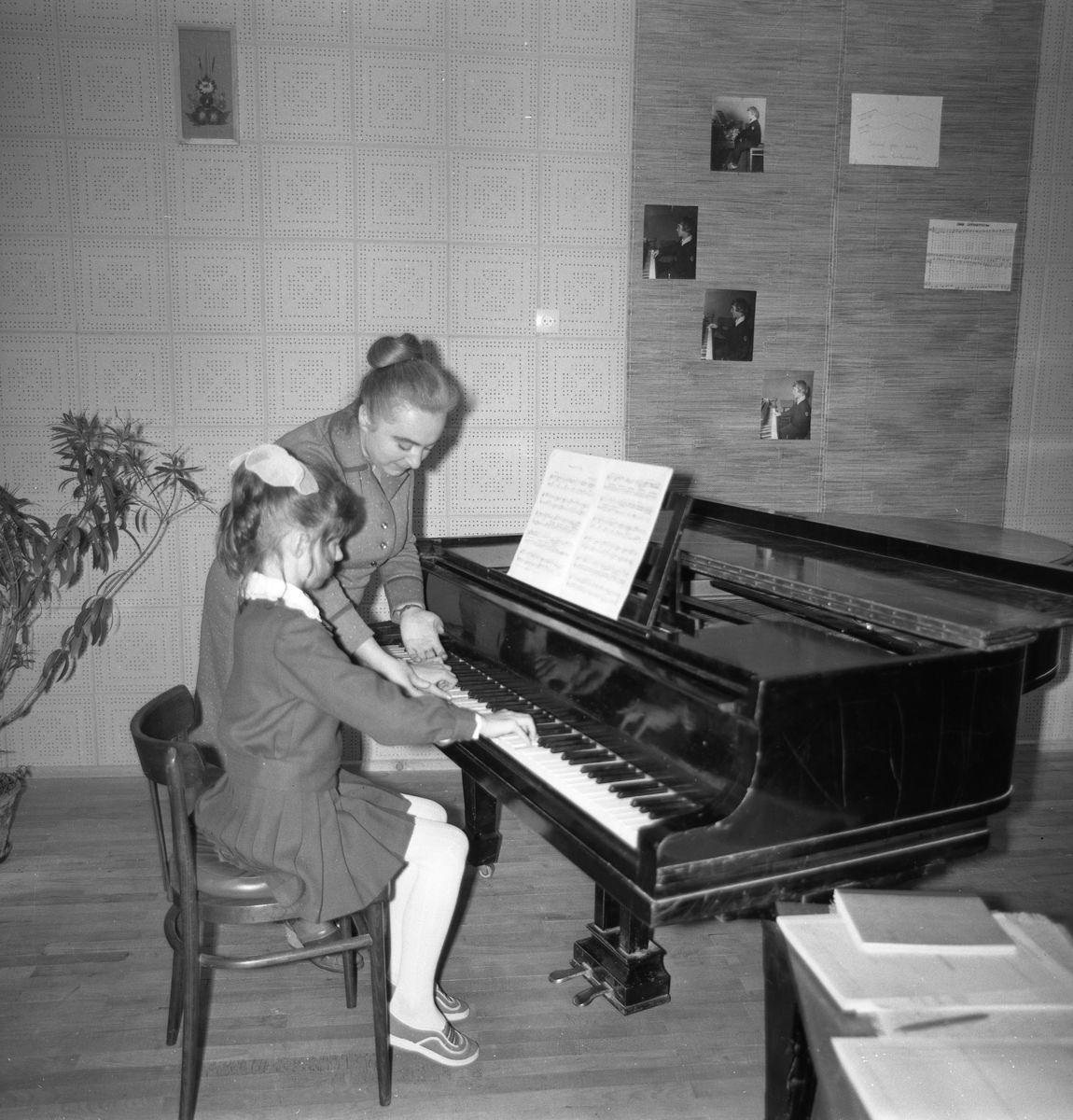 Zajęcia w szkole muzycznej