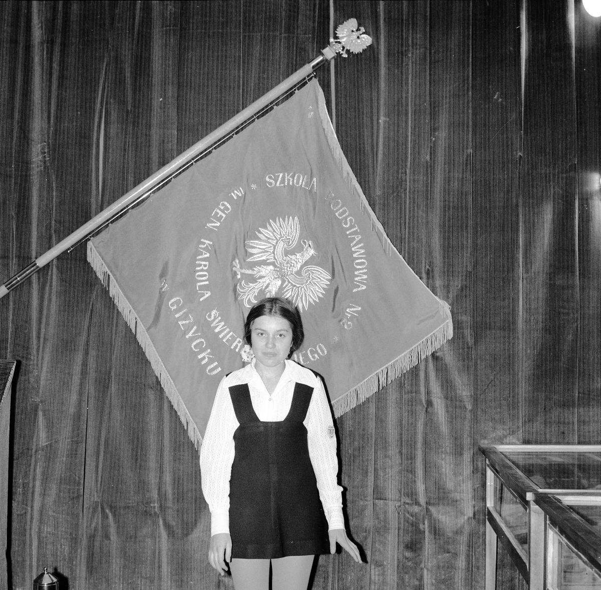 Zakończenie roku w SP nr 2, 1975 r. [8]