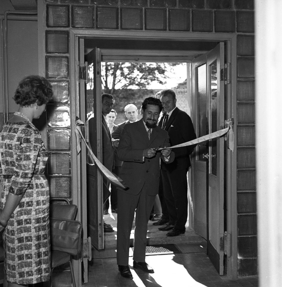 Otwarcie pralni Miejskiego Przedsiębiorstwa Gospodarki Komunalnej, 1964 r.