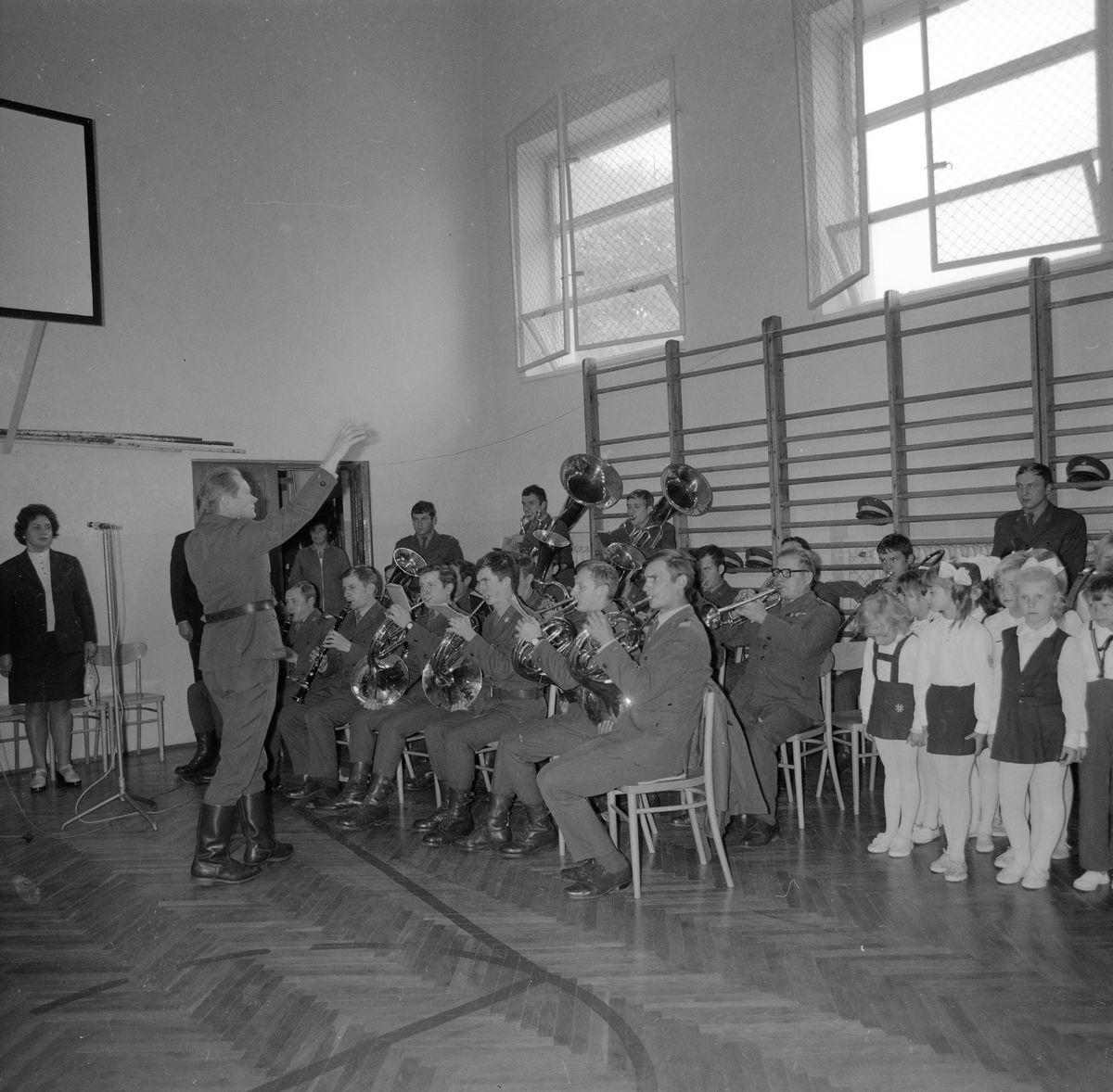 Święto Szkoły w SP nr 4, 1975 r. [4]