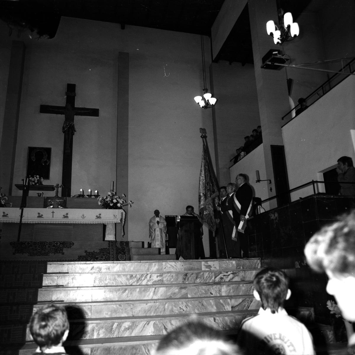 Poświęcenie sztandaru Cechu Rzemiosł Różnych, 1990 r. [5]