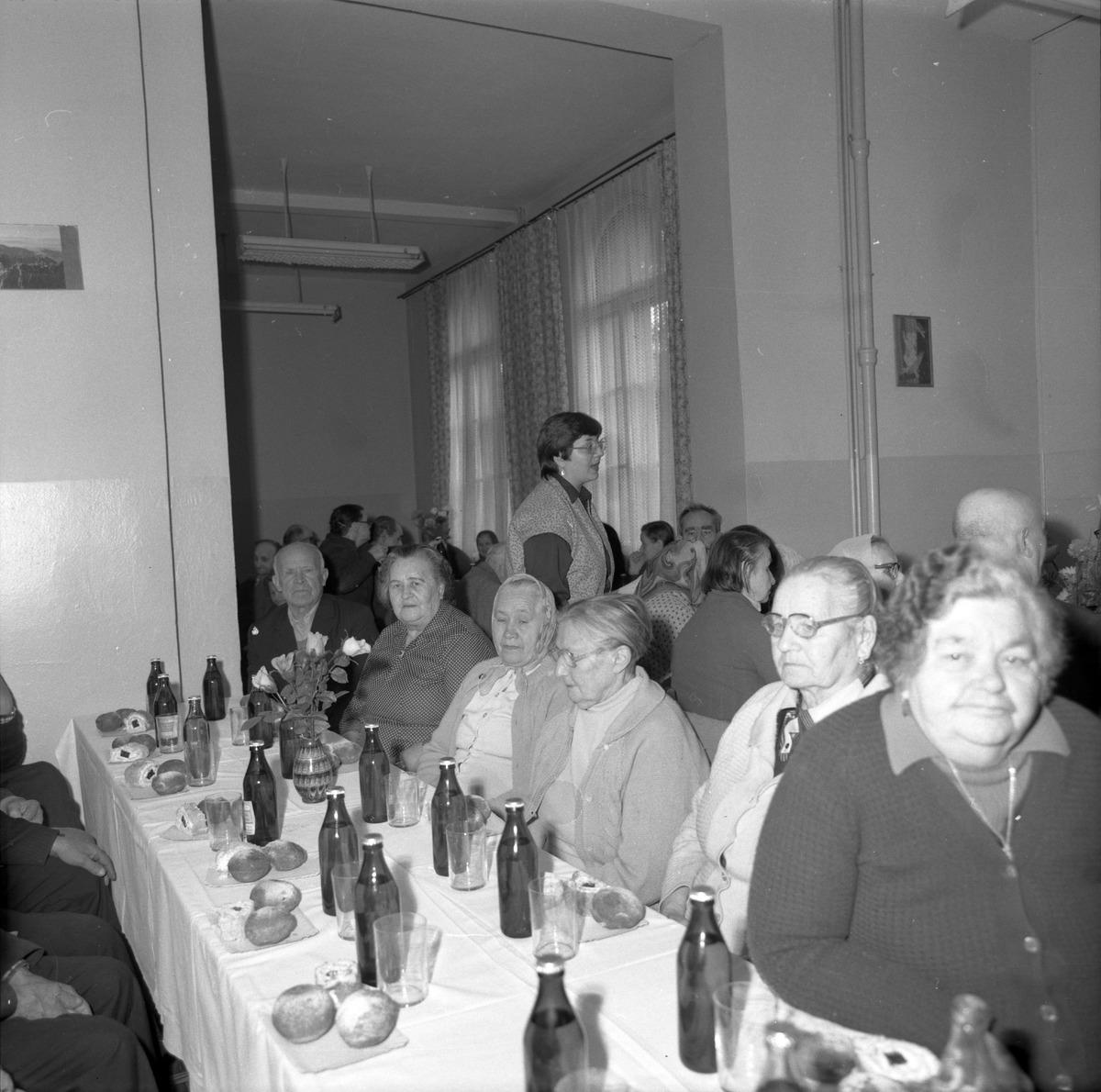 Obchody Dnia Seniora, 1985 r. [8]