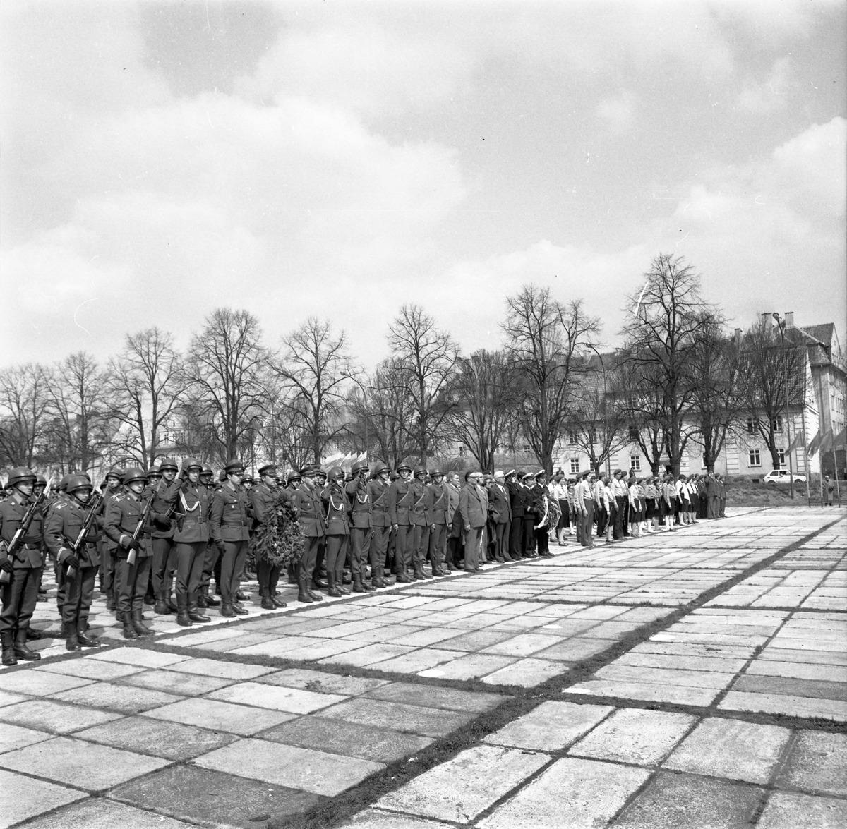 Uroczystość odsłonięcia pomnika żołnierzy radzieckich [6]