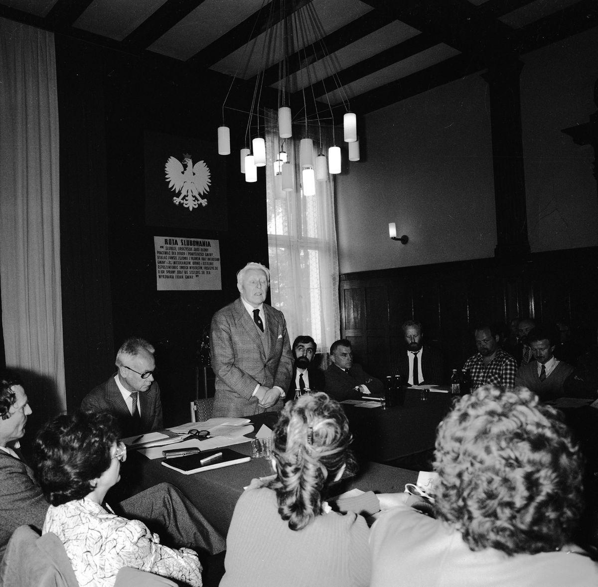 Uroczysta sesja Rady Miejskiej, 1990 r. [6]
