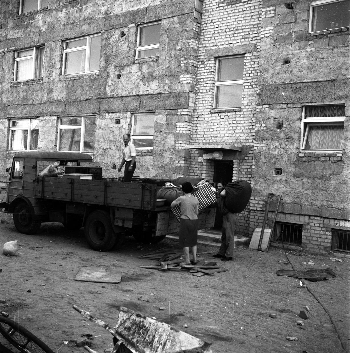 Blok przy ul. Kościuszki - prace wykończeniowe [3]