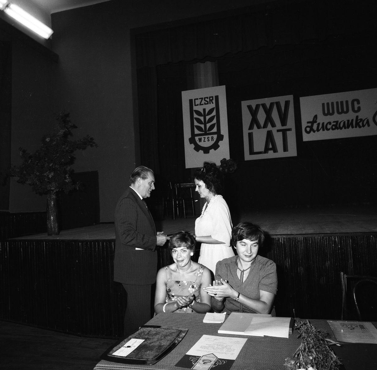 """Obchody 25-lecia """"Łuczanki"""" w MDK, 1983 r. [7]"""