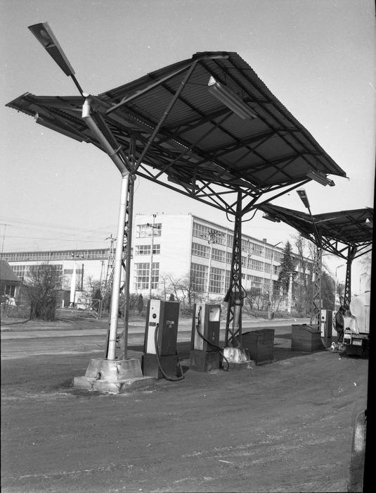 Stacja paliw bazy transportowej [2]