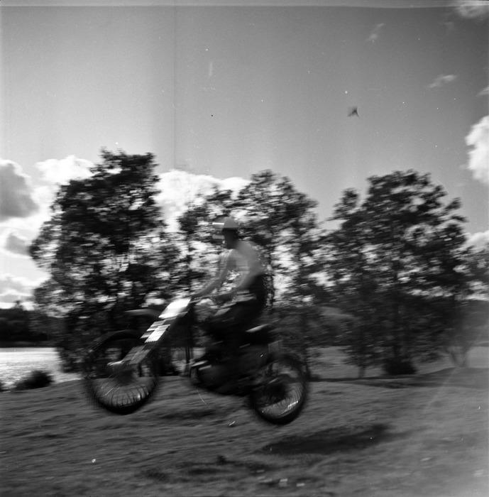 Zawody motocrossowe, 1964 r. [34]