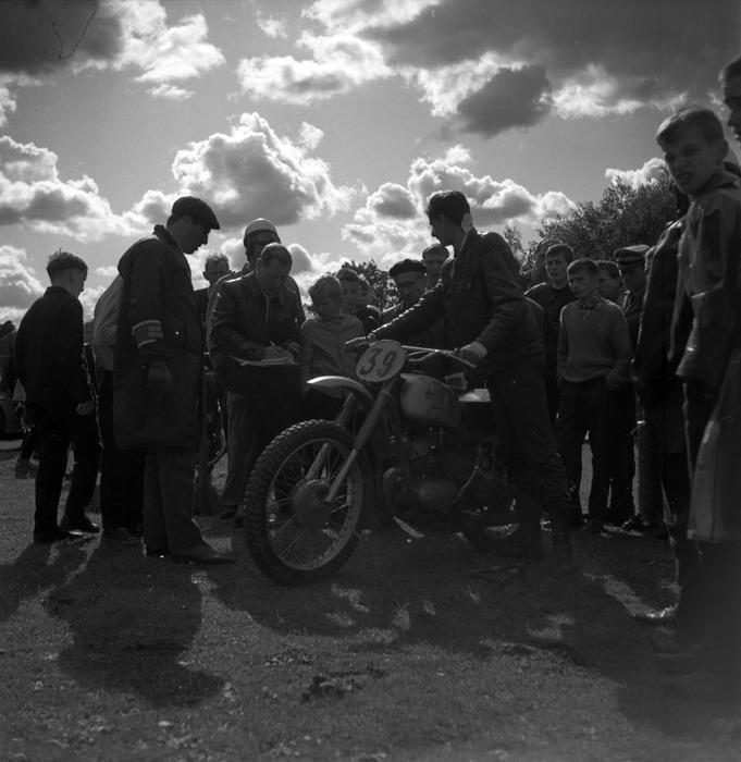 Zawody motocrossowe, 1964 r. [36]