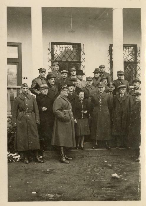 Maria Cichosz podczas internowania na Węgrzech [8]
