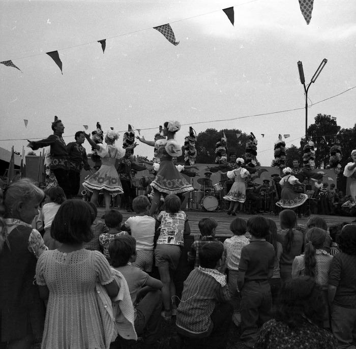 Zespół Pieśni i Tańca Armii Radzieckiej [46]