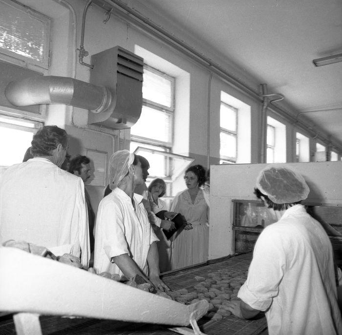 Zwiedzanie Zakładu z okazji 25-lecia, 1983 r. [28]