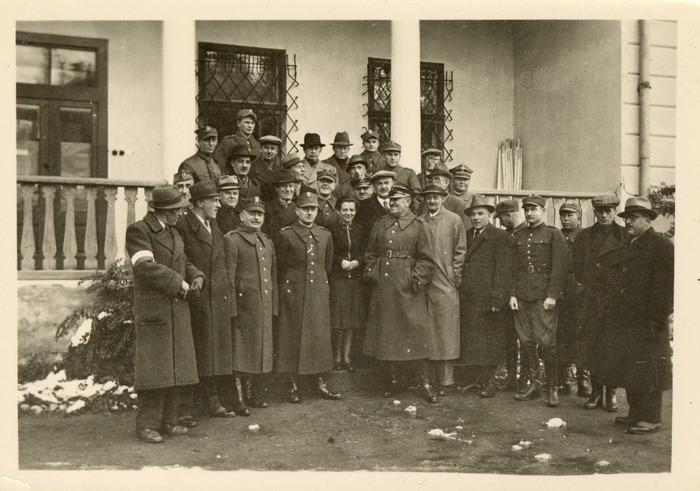 Maria Cichosz podczas internowania na Węgrzech [7]