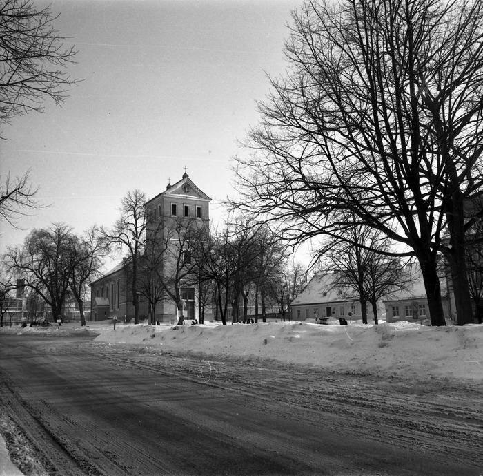Kościół ewangelicki zimą [1]