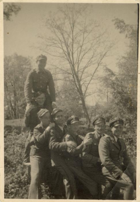 Żołnierze 7. Pułku Bombowców Nurkujących [2]