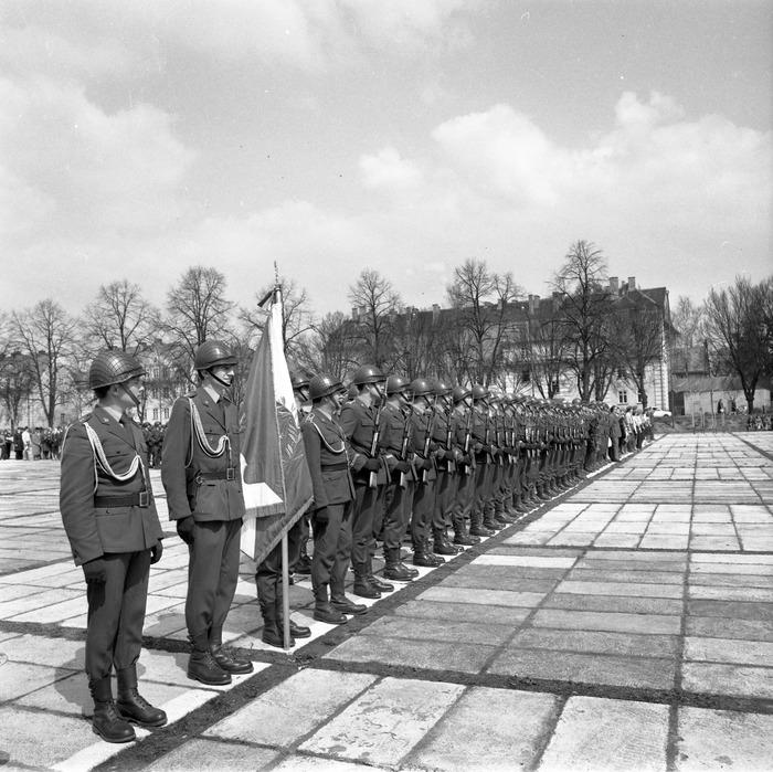 Uroczystość odsłonięcia pomnika żołnierzy radzieckich [4]