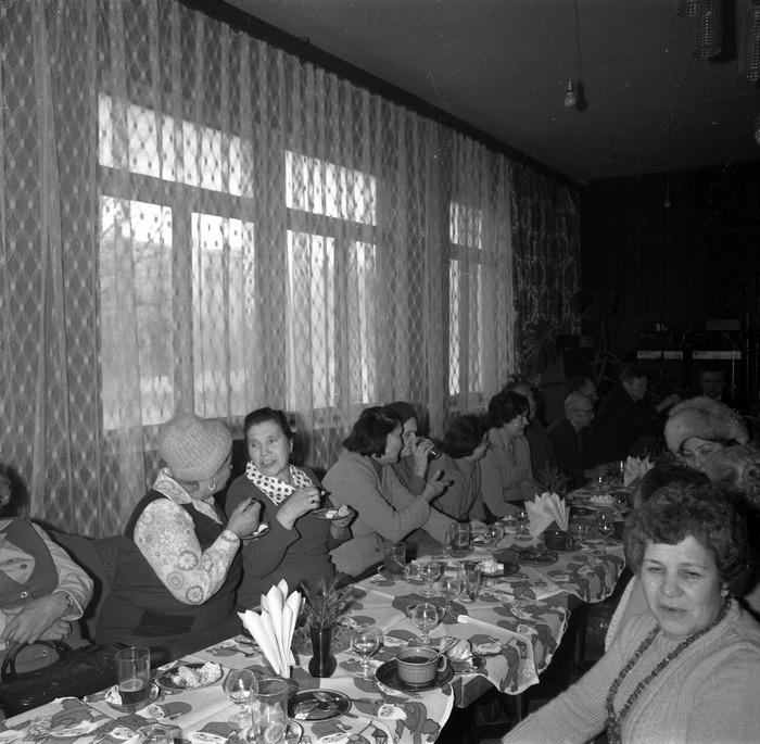 Spotkanie seniorów w kawiarni Ekran w Giżycku [11]