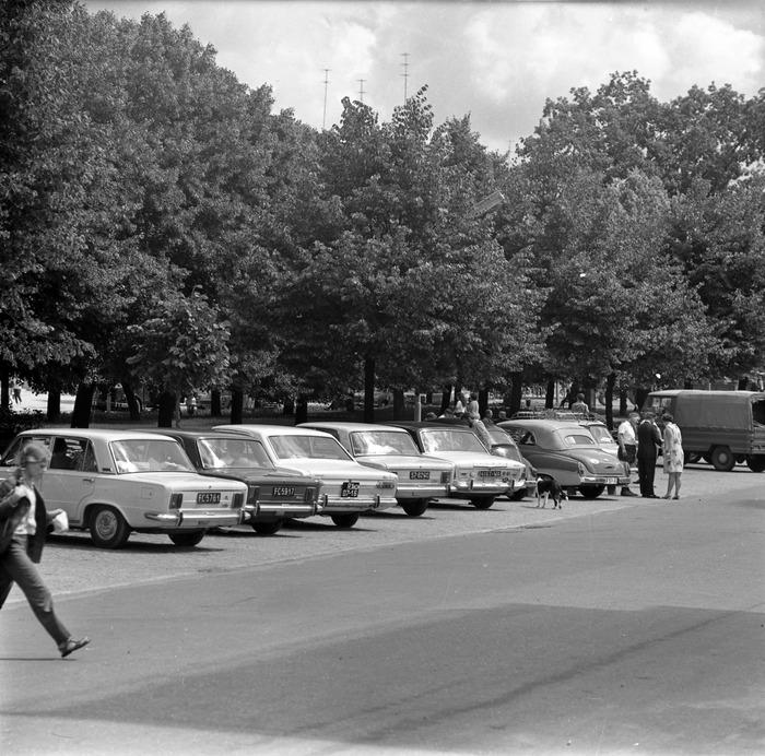 Parking przy placu Grunwaldzkim, 1978 r.