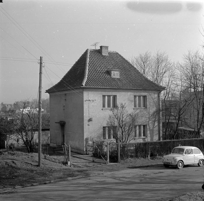Stary dom przy ul. Smętka [2]