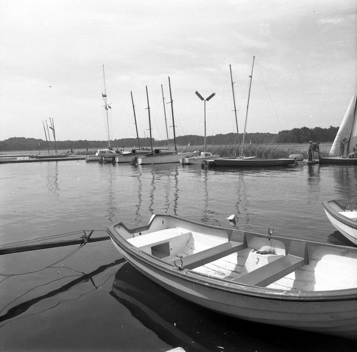"""""""Almatur"""" - port i sprzęt pływający [42]"""