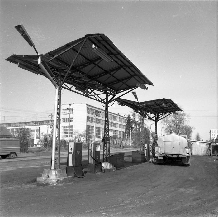 Stacja paliw bazy transportowej [1]