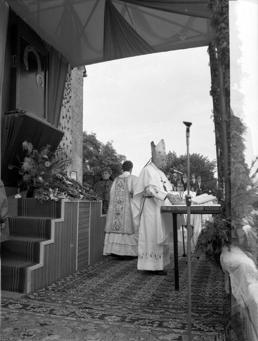Ołtarz nabożeństwa peregrynacyjnego [7]