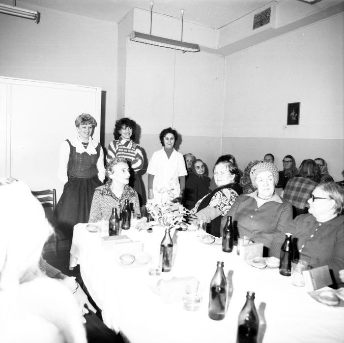 Obchody Dnia Seniora, 1986 r. [9]