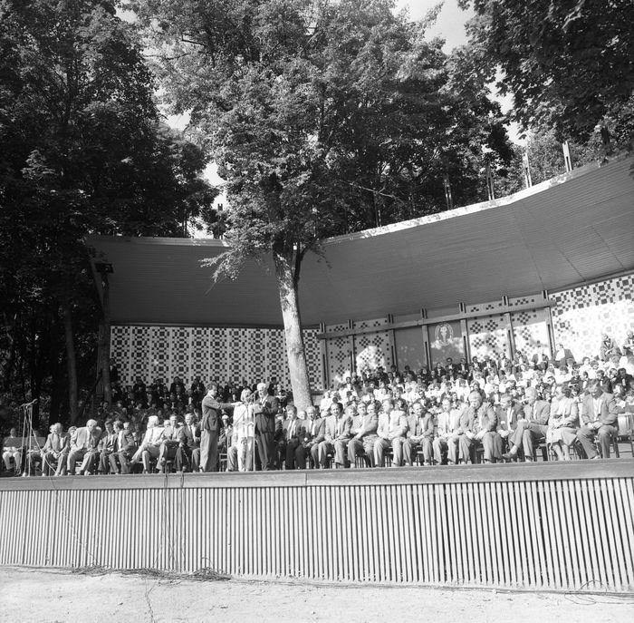 Wizyta delegacji z Giżycka w Trokach, 1987 r. [48]