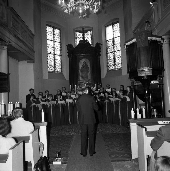 Występ chóru w kościele ewangelickim [3]