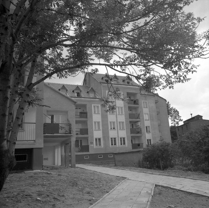 Budynek mieszkalny przy ul. Sikorskiego 10.
