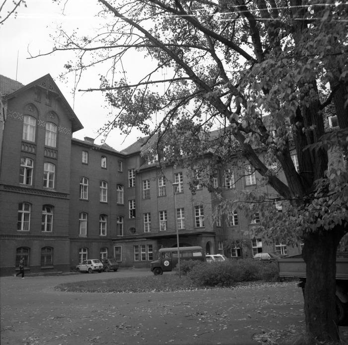 Szpital [16]