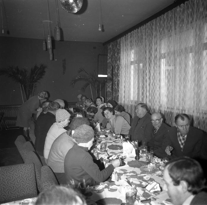 Spotkanie seniorów w kawiarni Ekran w Giżycku [10]