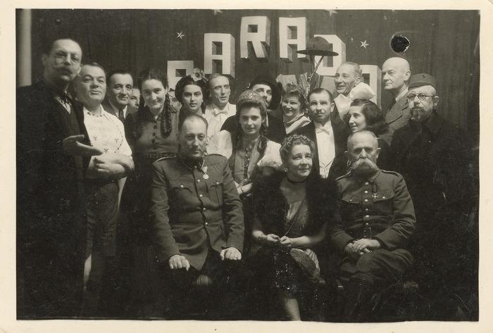 Maria Cichosz podczas internowania na Węgrzech [20]