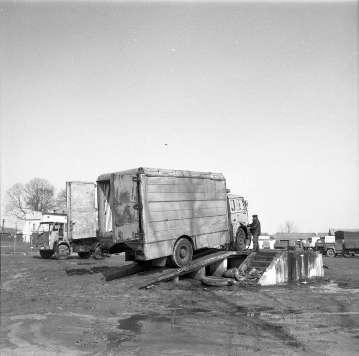 Pojazdy bazy transportowej [2]