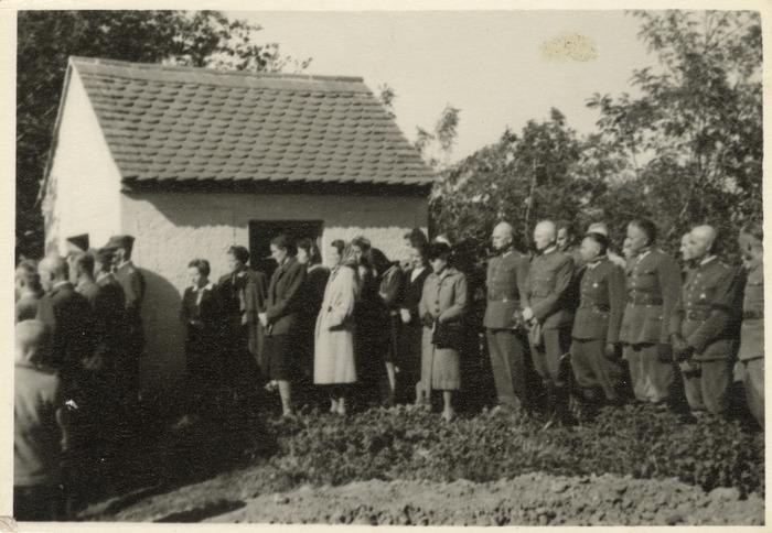 Maria Cichosz podczas internowania na Węgrzech [17]