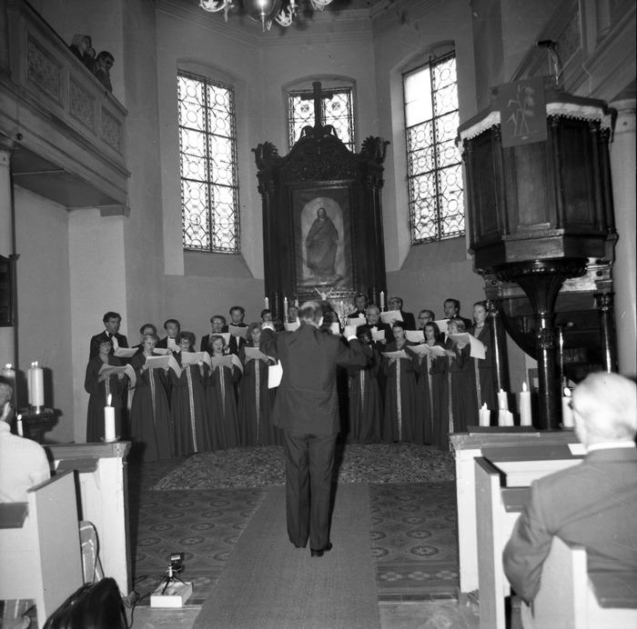 Występ chóru w kościele ewangelickim [1]