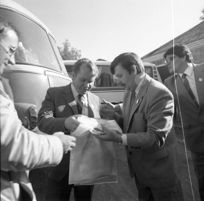 Wizyta delegacji z Giżycka w Trokach, 1987 r. [41]