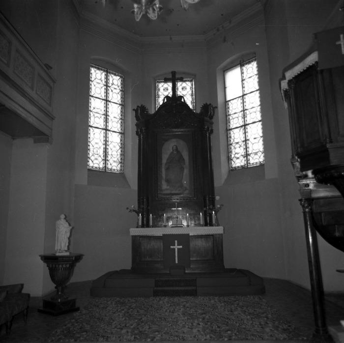 Ołtarz kościoła ewangelickiego [2]