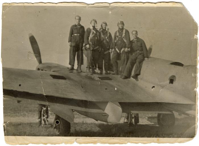 Żołnierze 7. Pułku Bombowców Nurkujących [9]