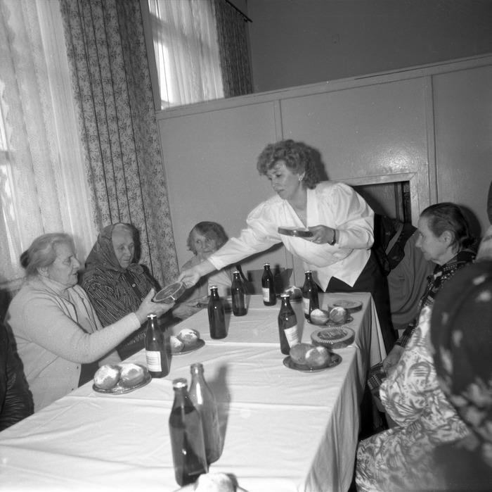 Dzień Kobiet w DPS, 1988 r. [14]