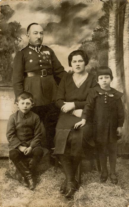 Aleksander Dembiński z rodziną [2]
