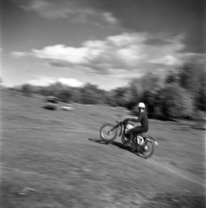 Zawody motocrossowe, 1964 r. [32]
