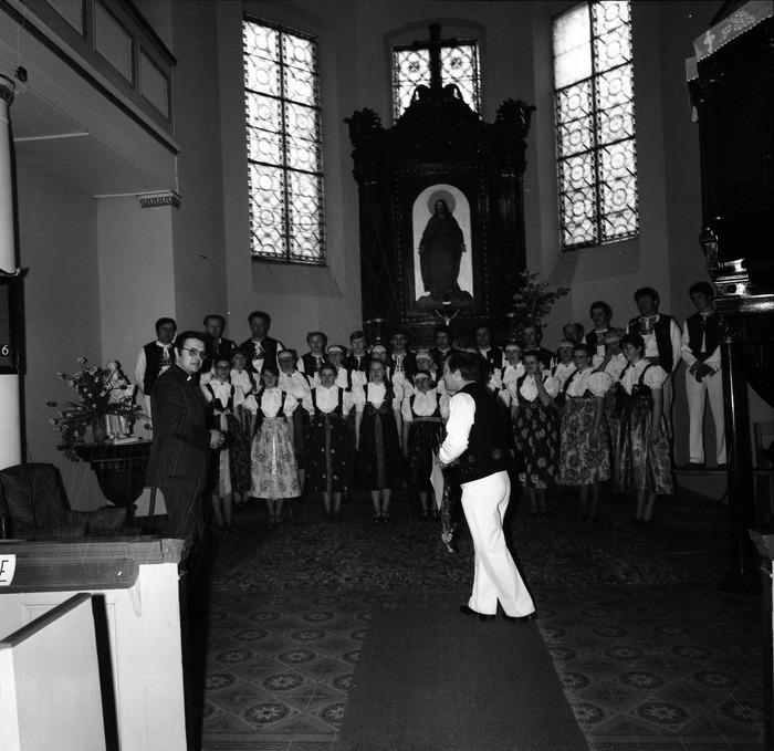 Występ śląskiego chóru w kościele ewangelickcim [16]